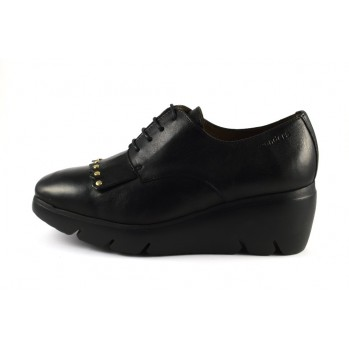 Blucher negro tachuelas